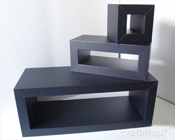 黒いディスプレイボックス